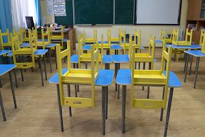 Nowe obostrzenia we Francji i Niemczech. Szkoły pozostają otwarte