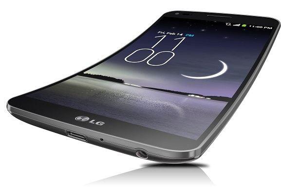 LG G Flex - elastyczny smartfon z panelem OLED