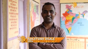 Ranjitsinh Disale zdobył międzynarodową nagrodę Fundacji Varkey dla najlepszego edukatora na świecie podzielił się nagrodą