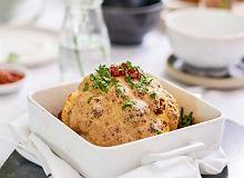 Pieczony kalafior w sosie sezamowym z granatem i kolendrą - ugotuj