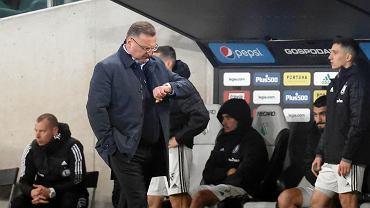 Trener Legii Warszawa Czesław Michniewicz podczas meczu z Lechem Poznań