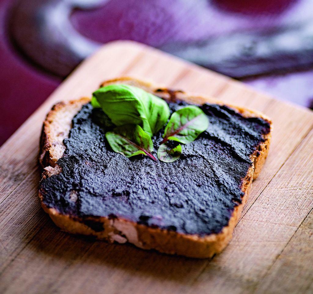 Pasta z czarnego czosnku