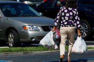 Kalifornia wprowadziła zakaz używania foliowych torebek jednorazówek