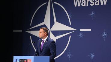 Prezydent RP Andrzej Duda wygłasza oświadczenie po zakończeniu obrad drugiego dnia szczytu NATO w Warszawie