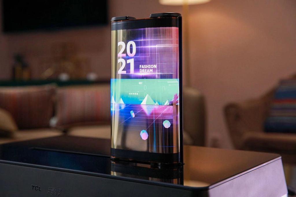 Tablet TCL z rozwijanym ekranem 17 cali (CES 2021)