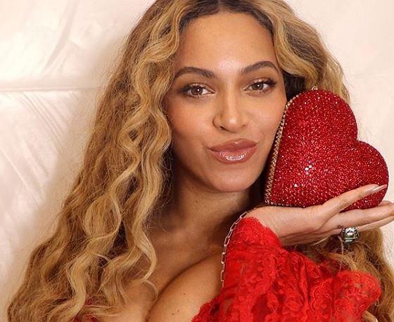 b0aaa13b883e7 Beyonce łączy siły z ulubioną marką Ewy Chodakowskiej. Zaprojektuje kolekcje