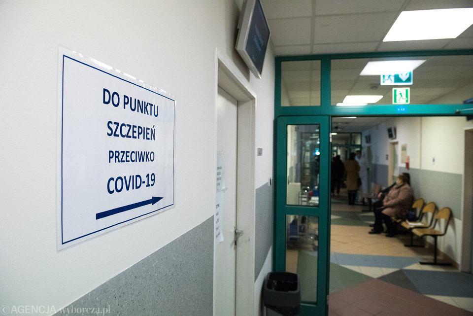 Szczepienia przeciwko COVID-19 dla nauczycieli. Ilu jest chętnych na Dolnym Śląsku?