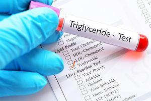 Trójglicerydy - czym grozi ich nadmiar? Jak obniżyć poziom trójglicerydów we krwi?