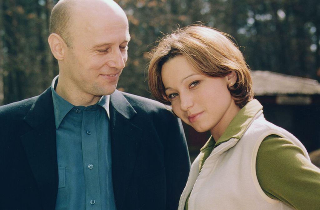 Karolina Borkowska na planie serialu 'Na dobre i na złe' z Krzysztofem Pieczyńskim