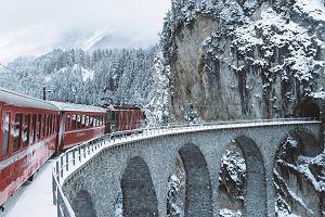 Szwajcarię znasz tylko z reklam czekolady? Błąd! Tutaj nawet wiadukt kolejowy wygląda jak z filmu [ZDJĘCIA]