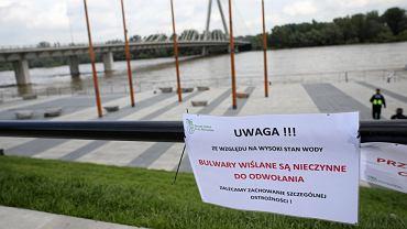 Bulwary Wislane - wysoki poziom wody na Wisle