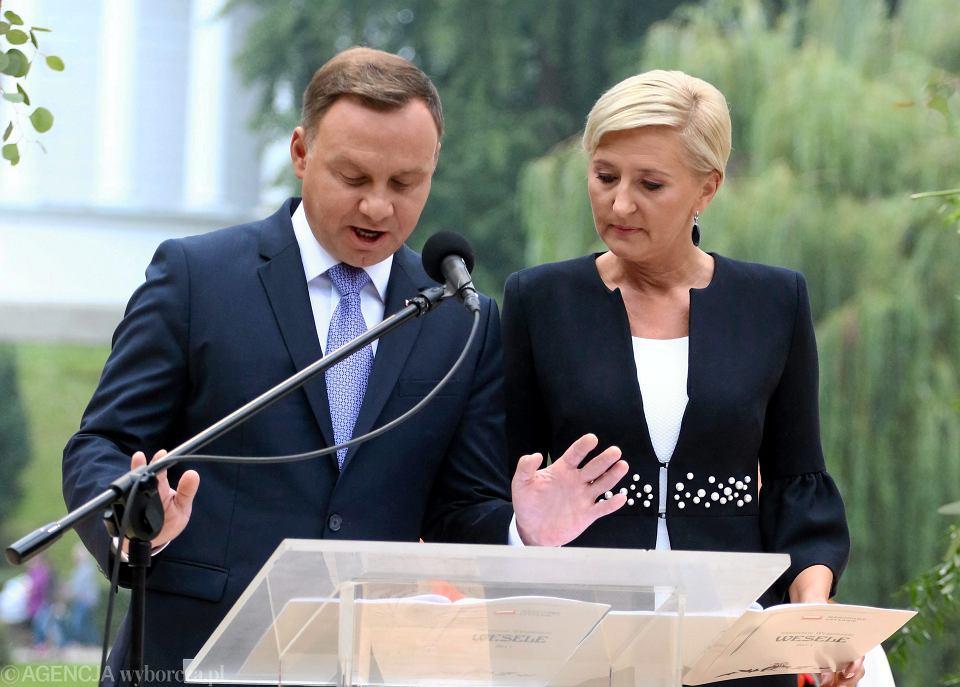 Prezydent RP Andrzej Duda oraz jego małżonka Agata Kornhauser - Duda podczas akcji Narodowe Czytanie - ' Wesele ' Stanislawa Wyspianskiego, 2017