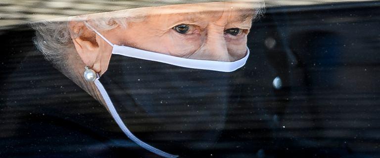 Królowa Elżbieta otarła łzy na pogrzebie księcia Filipa. Emocje wzięły górę