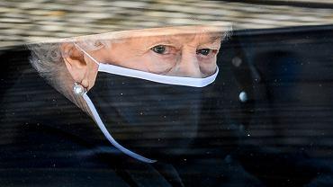 Emocje wzięły górę. Królowa Elżbieta otarła łzy na pogrzebie księcia Filipa