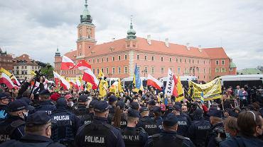Pandemia koronawirusa. 'Strajk Przedsiębiorców'. Warszawa, 16 maja 2020