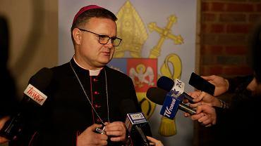 Ksiądz biskup diecezji toruńskiej Wiesław Śmigiel