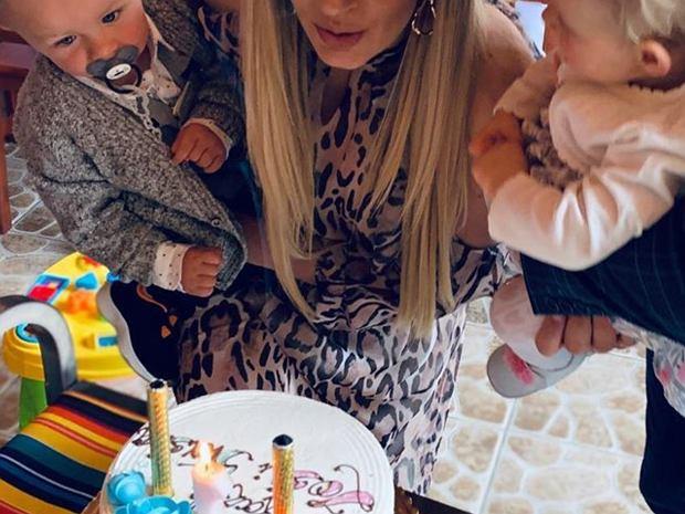 Jedna z najpopularniejszych wokalistek disco polo, Małgorzata Główka - znana jako Camasutra - obchodziła pierwsze urodziny swoich dzieci. Zdjęciem pochwaliła się na Instragramie.