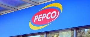 Pepco sprzedaje klapki za 25 zł, które robią furorę. To hit wśród kobiet na lato