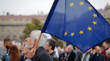 Węgry. Trwa referendum w sprawie Unii Europejskiej i uchodźców