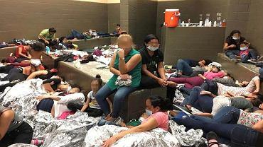 USA. Office of the Inspector General opublikowało zdjęcia, w jakich trzymani są imigranci i uchodźcy, którzy przekraczają południową granicę USA.