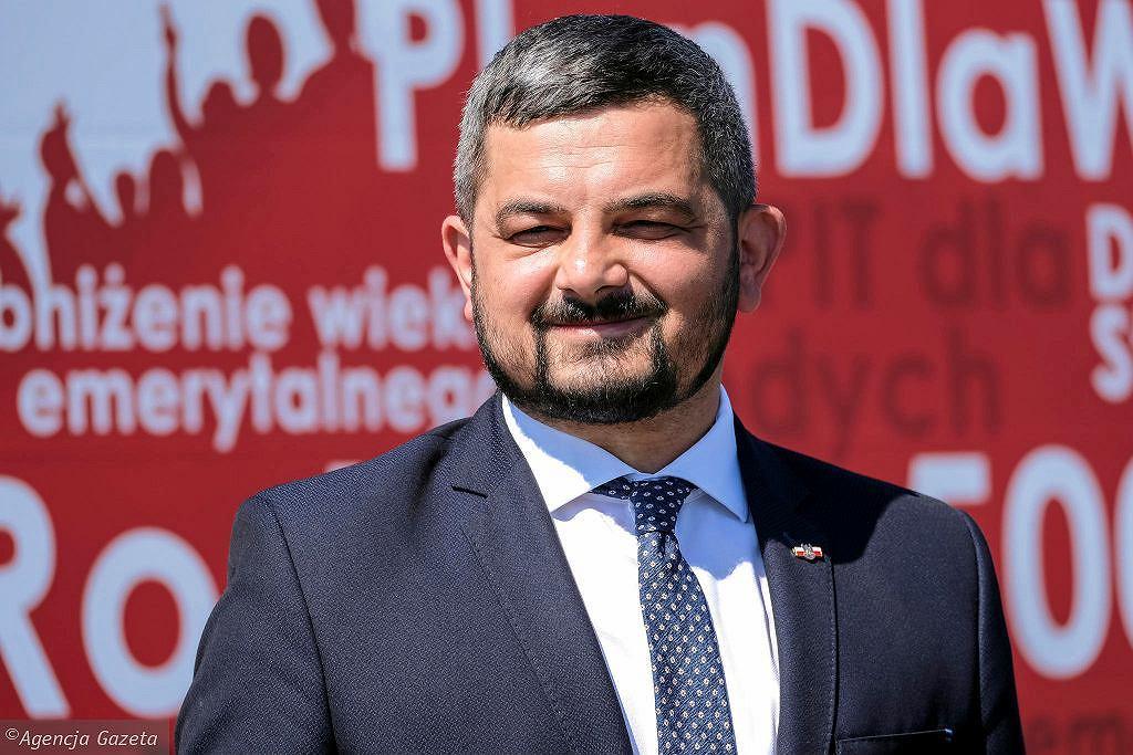 Sobolewski: Polski Ład jak pudełko czekoladek. Zmiany w programie 500 Plus? 'Od razu zdementuję'. Na zdjęciu Krzysztof Sobolewski