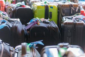 Pracownik lotniska pozamieniał etykiety na prawie 300 bagażach. Trafi za to do więzienia