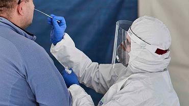 Test na koronawirusa/zdjęcie ilustracyjne