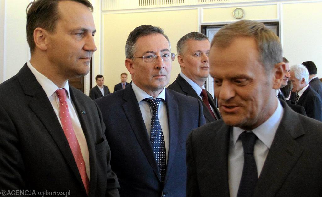 Donald Tusk i byli ministrowie Sienkiewicz i Siemoniak
