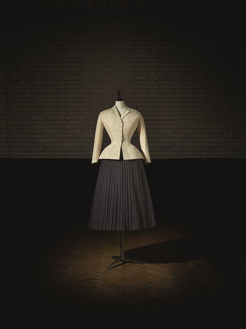 Kostium Bar z kolekcji Haute Couture wiosna/lato 1947 Christian Dior