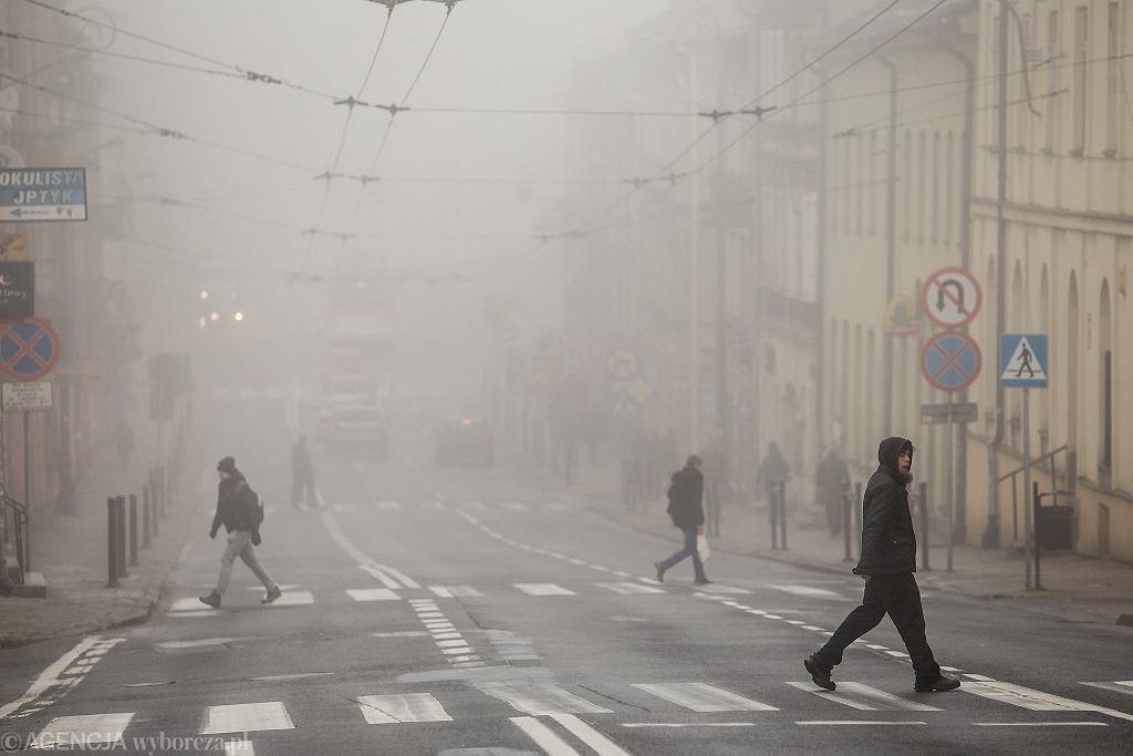 Mgła. Zdjęcie ilustracyjne