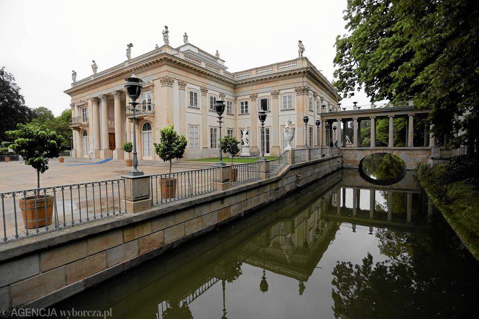 łazienki Królewskie Zostały Zamknięte Z Powodów