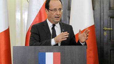 Kolejne miejsca przypadły wskazywanym przez 1 proc. badanych: prezydentowi Francji Francois Hollande'owi