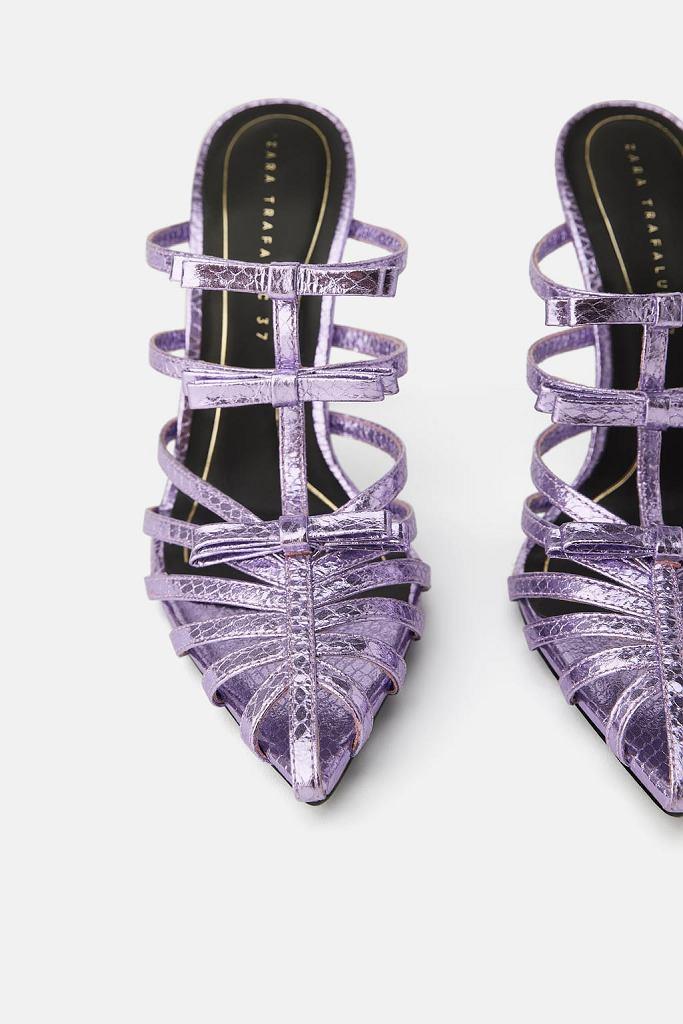Fioletowe sandały Zara są na liście oczekujących