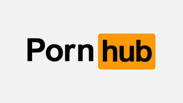 Dziewczyna ogląda porno gejów