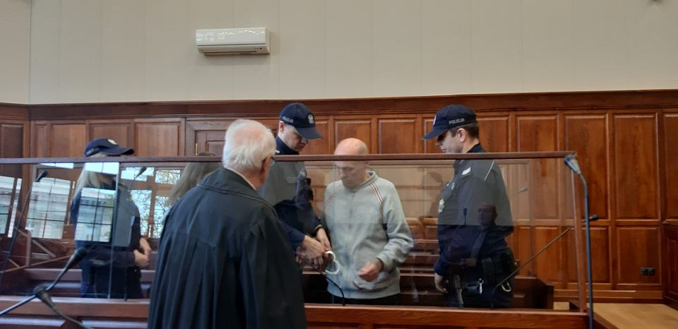 63-letni Marian Majewski, wielokrotny recydywista, który już raz odsiadywał wyrok za zabójstwo, resztę życia spędzi w więzieniu. Sąd zgodził się na publikację wizerunku