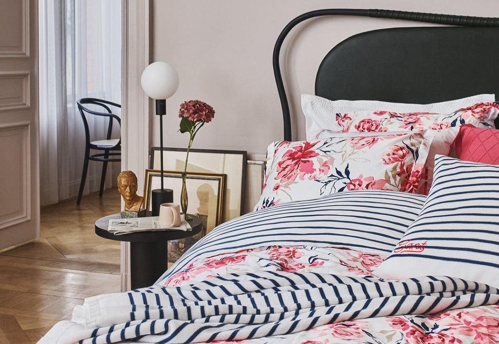 Sypialnia w stylu preppy.
