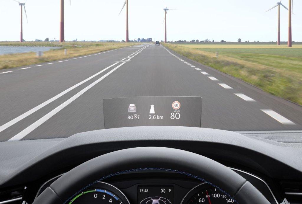 Wyświetlacz head-up w Volkswagenie Passacie