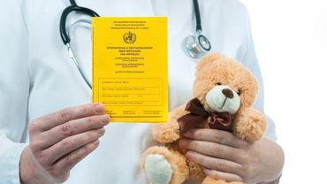 Warto zadbać o szczepienia ochronne dla siebie i dzieci przed wyjazdem za granicę. Aby wjechać do niektórych krajów będziemy potrzebować dokumentów potwierdzających szczepienie