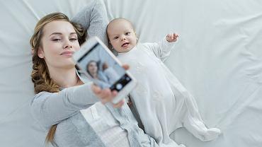 Każdy z momentów dokumentowany przez rodziców w sieci układa się w tasiemcową insta-baby-story