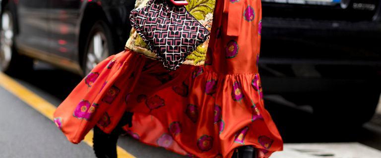 Sukienki na jesień inspirowane street fashion. Top 18 propozycji z polskiej sieciówki