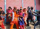 W Bangladeszu od ponad tygodnia strajkuje przemysł odzieżowy. Płace należą tam do najniższych na świecie