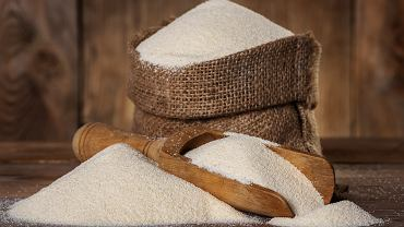 Semolina to produkt otrzymywany w procesie mielenia pszenicy twardej (durum). Ma postać gruboziarnistej mąki, która znajduje zastosowanie głównie przy produkcji makaronu i kuskusu