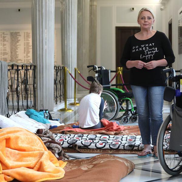 Iwona Hartwich, liderka protestu rodziców dzieci niepełnosprawnych. Warszawa, Sejm, 26 kwietnia 2018