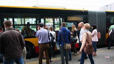 Tłumy w autobusach