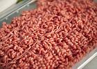 """Ile naprawdę jest mięsa w mięsie? Inspekcja Handlowa wykryła """"nieprawidłowości"""" w ponad połowie sklepów"""
