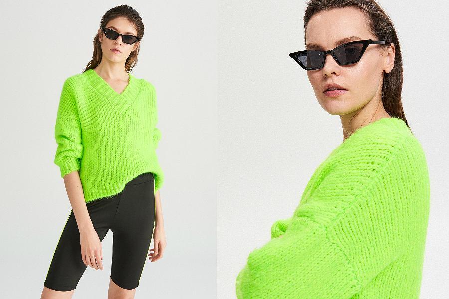 stylizacja z kolarkami i neonowym swetrem