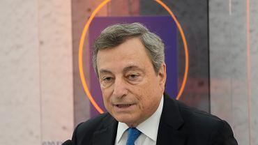 Włochy i koronawirus. Wzrost liczby szczepień po wprowadzeniu przepustki w pracy. Na zdjęciu premier Mario Draghi.