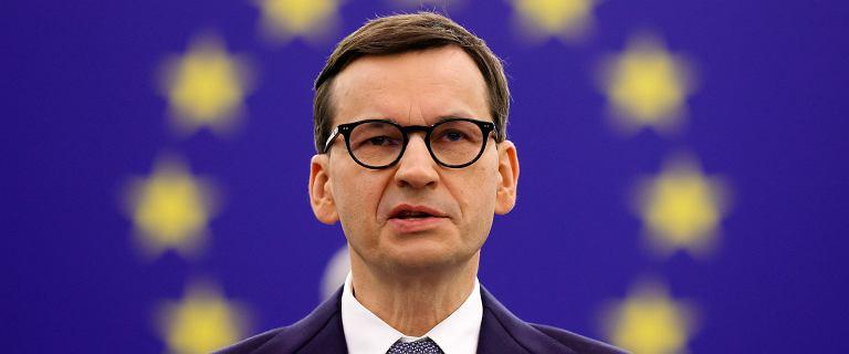 """""""Eskalacja sporu i stawianie siebie w roli ofiary UE"""". Morawiecki dolał oliwy do ognia"""