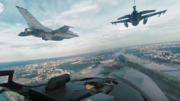 Przelot F16 nad Warszawą podczas szczytu NATO