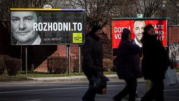 Igor Matović, jeden z twórców nowej partii Zwyczajni Ludzie i Niezależne Osobistości (OL'aNO), na wyborczym plakacie w Bratysławie